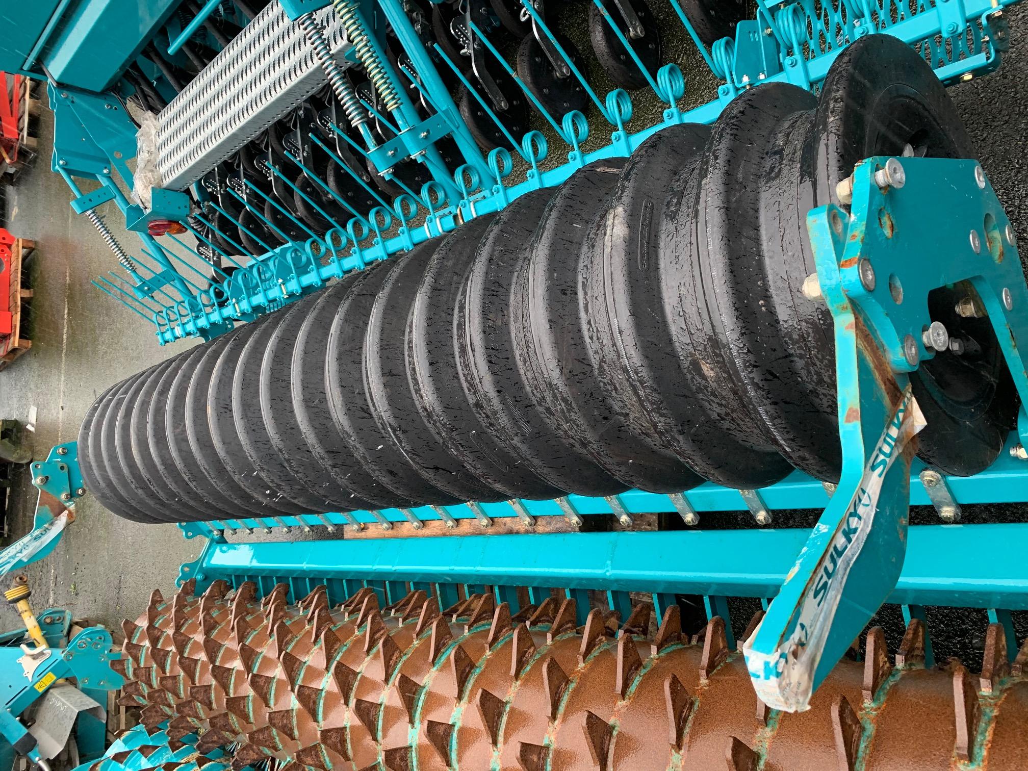 Rouleau sillonneur caoutchouc diam 580 mm – 3,0 m / 20 rangs